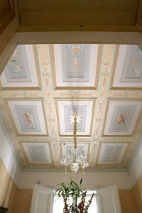 grotesques hall ceiling